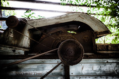 1200 Rpm (vale0065) Tags: industrial industrieel machine machinery belt beltdrive riemaandrijving agiculture agrararisch old oud verlaten abandoned rust rusty roest roestig slovenia slovenië schicht
