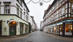 Im Nebel... (r.wacknitz) Tags: wernigerode harz harzmountains buntestadtamharz sachsenanhalt saxonyanhalt advent architektur nikond5600 tamron1024 luminar18 lightroom burgstrasse