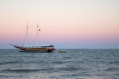 [ Countdown ] (Marcos Jerlich) Tags: ocean colorful boat water continent sky skyline sea vacation holiday sunset contrast beach colour light brasil américadosul canon canont5i canon700d efs1855mm marcosjerlich