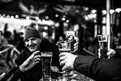 Friends. (LACPIXEL) Tags: friend ami amigo cheers salud santé bière cerveza beer verre glass vidrio nikon nikonfr dieppe foireduhareng flickr lacpixel street