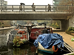 Canal Life (Croydon Clicker) Tags: canal barge boat towpath bridge people pedestrians smoke chimneys rain water nikon nikkoraf28105d london kingscross