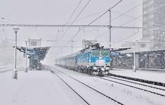 362.077 (michaelketzenberg) Tags: railway rail railroad railwaystation station snow snowstrom schnee sníh eisenbahn železnice bahnhof czech czechrepublic train trains čd českédráhy čd362077 362077 eso most blue white winter