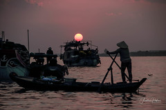 Sun on boat (fredericpecheux) Tags: sun sunrise boat river mekong vietnam asia asie canon cantho delta landscape eos 80d floating market happyplanet asiafavorites