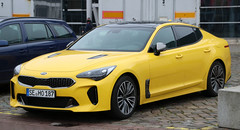 Stinger (Schwanzus_Longus) Tags: bremen german germany south korea korean modern car vehicle sedan saloon kia stinger