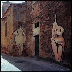 Murales_Orgosolo_Rolleiflex 3.5B (ksadjina) Tags: 6x6 c41 italia kodakektar100 nikonsupercoolscan9000ed orgosolo rolleiflex35b sardegna silverfast wallpainting analog film pintura scan murales