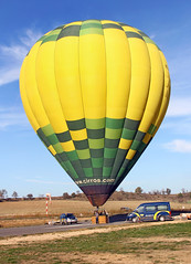 Aeròdrom d'Igualada-Odena. LEIG. (Josep Ollé) Tags: globo balloon aeródromo airfield igualada anoia vol test flight cirros
