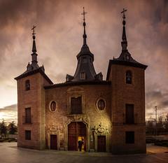 Bienvenidos-wellcome (invesado) Tags: ermita atardecer madrid olympus 17mm panoramica ciudad