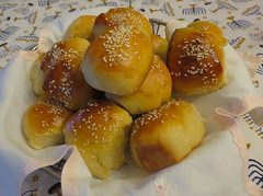 Challah Rolls. Happy Thanksgiving! (Traveling with Simone) Tags: bread challah rolls petitspains meal food pain nourriture sesameseeds lunch dinner recette recipe