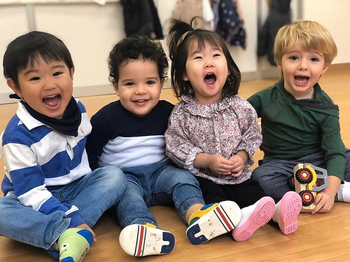 Now Accepting Enrollments 2020-2021 2020-2021年度、入園予約受付中 About Us Star Kids International Preschool is a 100% English environment. Children learn independence and confidence via fun, creativity and educational activities. If you are looking for a school th