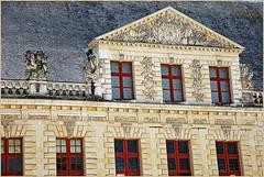 Fronton du Château d'Oiron, Oiron, Deux-Sèvres, France (claude lina) Tags: claudelina france deuxsèvres castle château oiron châteaudoiron architecture fronton