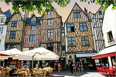 Place Plumereau, Tours, Indre-et-Loire, France (claude lina) Tags: claudelina france indreetloire tours placeplumereau maisons houses architecture colombages