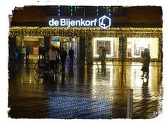 Night/Light in rainy The Hague (José D...) Tags: thehague thenetherlands holland denhaag noflashnightshots nightlight streetshot rainydays winter winter2019 sony sonycybershot dscrx100m3 debijenkorf