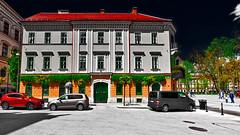 Ljubljana - House with red roof (Marco Trovò) Tags: marcotrovò hdr canoneos5d slovenia lubiana architecture architettura strada street città city building edificio kongresnitrg piazza square ljubljana congresssquare piazzadelcongresso