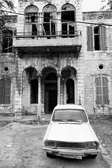 (pirindao) Tags: lebanon libano joünié blancoynegro blackwhite bw bn foto fotografía fotografíaurbana fotografíadeviaje car photography photoshop photo travelphotography travel urbanphotography