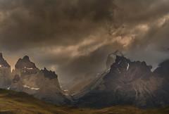 LOS CUERNOS... (Joan González_Miratges) Tags: chile patagonia paisaje pnpaine