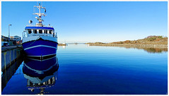 In Harbor (Rex Block) Tags: lg g8 thinq mobile cell sverige kostet sydkoster sweden autumn coast ekens boat harbor docked bt ekkidee