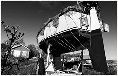 Sydkoster Boat Yard (Rex Block) Tags: lg g8 thinq mobile cell sverige kostet sydkoster sweden autumn coast sailboat boat abandoned drydock bt hull monochrome bw ekkidee sydkosterboatyard