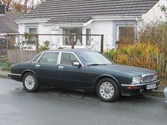 Jaguar XJ Sovereign (Andrew 2.8i) Tags: carspotting spotting street car cars streetspotting united kingdom wales classic classics uk british executive saloon xj6 xj40 sovereign xj jaguar