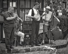 street band, Buenos Aires (Bluescruiser1949) Tags: streetconcert streetmusicians streetband buenosaires argentina trumpet clarinet bango standupbass streetphotography blackwhitestreetphotography wanderingaboutphotography concertphotography photoop buenosairesargentina downtownbuenosaires musicians streetfestival