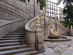 20190916 Madrid calle Princesa (4) O01 (Nikobo3) Tags: europa españa madrid arquitectura urban street travel viajes paisajeurbano samsung samsunggalaxys9 s9 nikobo joségarcíacobo