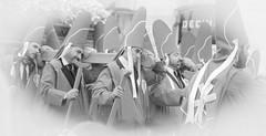 En ocasiones veo nazarenos cargando pasos (Patricio Alcaraz¿?) Tags: nazarenos paso estantes portapasos semanasanta españa spain murcia
