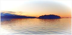 Strömstad Sunset (Rex Block) Tags: lg g8 thinq mobile cell sverige kostet sydkoster sweden autumn coast sunset water ekkidee strmstad