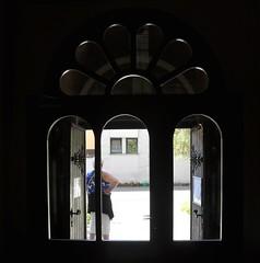 Always waiting for photographer....on Explore (wilma HW61) Tags: tdd hww ddd raam window deur door ajtó ablak porte fenêtre porta finestra licht light indoor doorkijk seethrough perspective perspectief compositie composition nikond90 wilmahw61 wilmawesterhoud persone persoon personnes