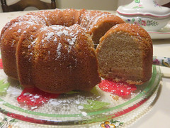 Apple Cider Pound Cake (Traveling with Simone) Tags: cake gâteau sweet dessert cider apple cidre meal food nourriture delicious sucré pâtisserie pastry recette recipe