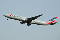 American Airlines Airbus A330 (Infinity & Beyond Photography: Kev Cook) Tags: american airlines airbus a330 n724ay airways aircraft airplane airliner heathrow airport london lhr egll planespotting photos planes a330300