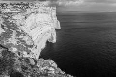 Falaises de Gozo (uluqui) Tags: malte malta vacance holiday wander wanderlust light fuji fujifilm xt20 xtrans blackandwhite bw noiretblanc falaises gozo cliff