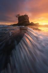 Niño Neptuno II (Pablo RG) Tags: santander seascape nature sunrise amanecer cantabria mar cantabrico nikon sky naturaleza paisaje landscape clouds