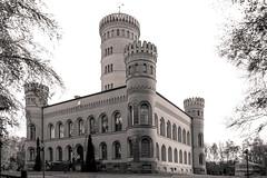 Jagdschloss Granitz (Lense23) Tags: schlos castle rügen germany deutschland blackandwhite monochrome ostsee balticsea architektur architecture