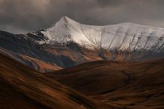 Terre de Feu (DBPhotographe) Tags: alpes france automne colline vallée plateau neige bronze cuivre orange levé soleil lumière montagne chute oxydation pré paturage confin monde