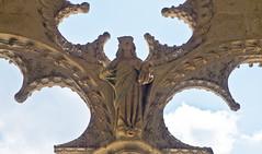 Filigran / Filigree (schreibtnix on'n off) Tags: reisen travelling frankreich france bourges kirche church architektur architecture historisch historic detaiil skulptur sculpture madonna nahaufnahme closeup filigran filigree olympuse5 schreibtnix