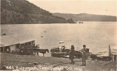 Burrinjuck township flooded to create dam - October 1916 (Aussie~mobs) Tags: yatesboardinghouse bellsboardinghouse burrinjuck dam lake newsouthwales flood inundation vintage australia 1916