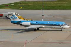 PH-KZM (PlanePixNase) Tags: stuttgart str edds echterdingen airport aircraft planespotting klm cityhopper fokker 70 f70