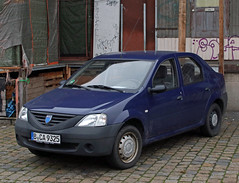 Logan (Schwanzus_Longus) Tags: bremen german germany romania romanian modern car vehicle sedan saloon dacia logan