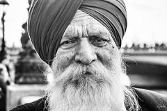 White Beard (JuliSonne) Tags: portrait man oldman turban beard whitebeard wrinkles friendly street streetphotography