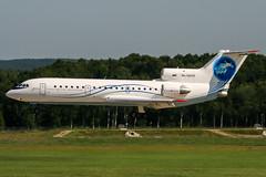RA-42432 (PlanePixNase) Tags: aircraft airport planespotting haj eddv hannover langenhagen saratov saravia yak 42 yakovlev яковлев як42 yk42