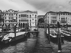 190703-426 Venise (clamato39) Tags: samsung italie italy europe voyage trip canal eau water bateaux boats urbain urban ville city blackandwhite bw monochrome noiretblanc