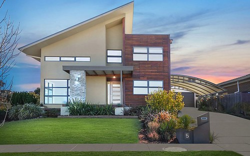 5 Lucy Beeton Crescent, Bonner ACT 2914
