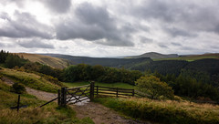 not that gate (Phil-Gregory) Tags: peakdistrict peakdistrictderbyshire derwent edge gate clouds cloudscape countryside countrylife nikon tokina1120mmatx ngc scenicsnotjustlandscapes landscapes