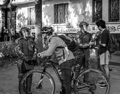 Diálogos ciudadanos en Santiago de Chile furioso (Mario Rivera Cayupi) Tags: blackandwhite bw blancoynegro streetphotography fotografíadecalle fotografíacallejera streetphotographyinchile sigmaartlens lentesigmaserieart santiagodechile protest carabineros angry policy dialog rabia policía diálogo
