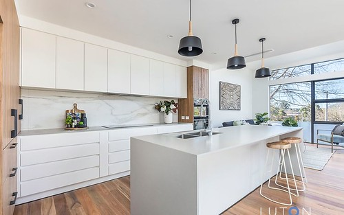 15 McCulloch Street, Curtin ACT 2605