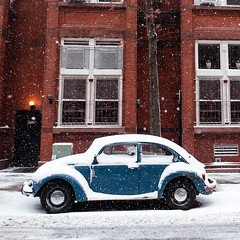 Winter Bug (Airicsson) Tags: snow street urban nyc newyork city white winter cold snowstorm america usa cityscape storm vw volkswagen beetle vintage brooklyn brooklynheights