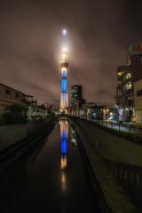 晴空塔 (sic Chiu) Tags: night tokyo 東京 晴空塔 倒影 reflection 夜景 longexposure 長曝 6d
