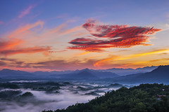 Color temperature before sunrise (Isaac Chiu_TW) Tags: colortemperaturebeforesunrise colortemperature colorclouds foggy sunrise seaofclouds 308highlands landscapes taiwan tainan taiwanmt 台灣 台南 308高地