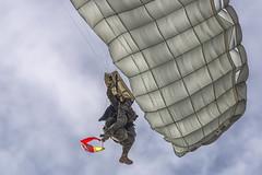 CFR5585 (Carlos F1) Tags: nikon aircraft airplane aeroplane avion aeronave festaalcel airshow festivalaereo festival planespotter spotting lleida lerida ild paracaidas paracaidismo parachute skydiving parachuting alguaire spain