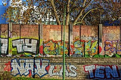 Contreforts du Périphérique (Edgard.V) Tags: paris parigi street art urban urbano arte callejero mural graffiti