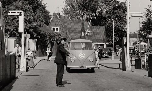 "NN-42-92 Volkswagen Transporter enkelcabine 1953 • <a style=""font-size:0.8em;"" href=""http://www.flickr.com/photos/33170035@N02/49140919061/"" target=""_blank"">View on Flickr</a>"